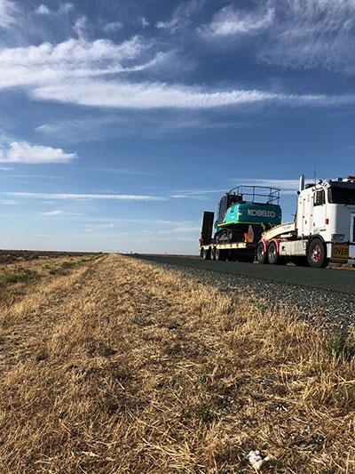 Lawton-Earthworks-Truck-Float-Excavator-Hire-Jerilderie