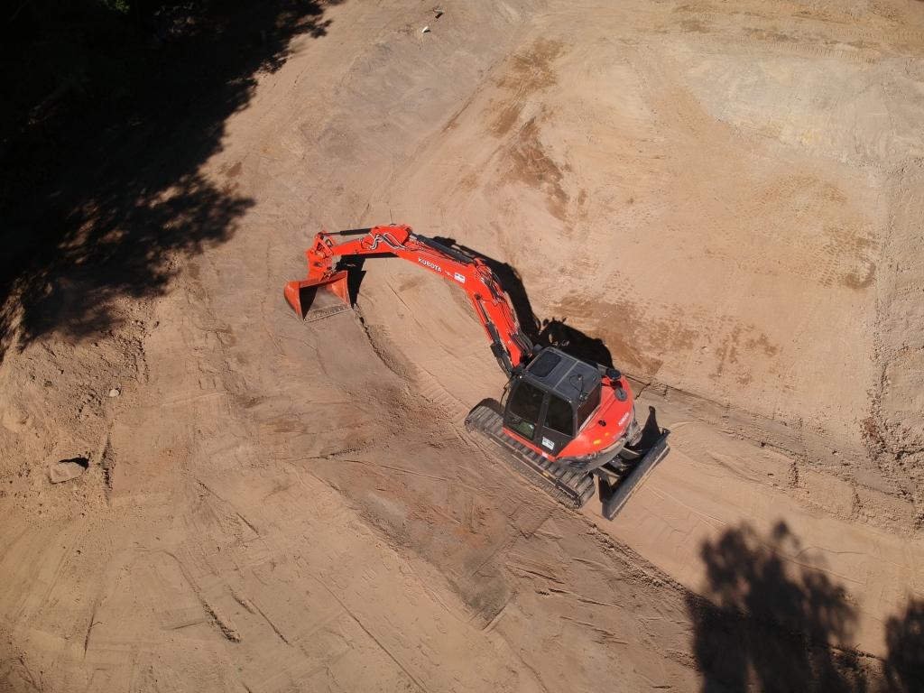 MDB Excavations Dam aerial ecavator kubota