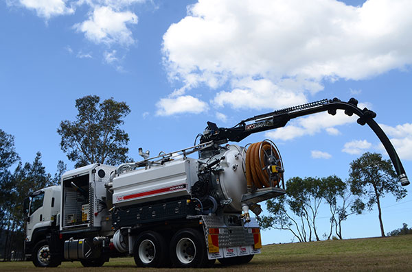 MW-Hire-6000L-vac-truck-hire-b