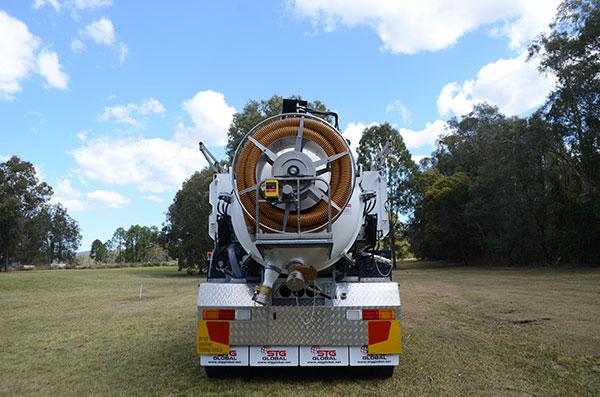 MW-Hire-6000L-Vac-Truck-Hire-Sunshine-Coast