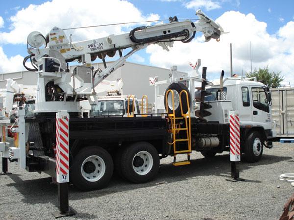 MW-Hire-crane-truck-back-angle
