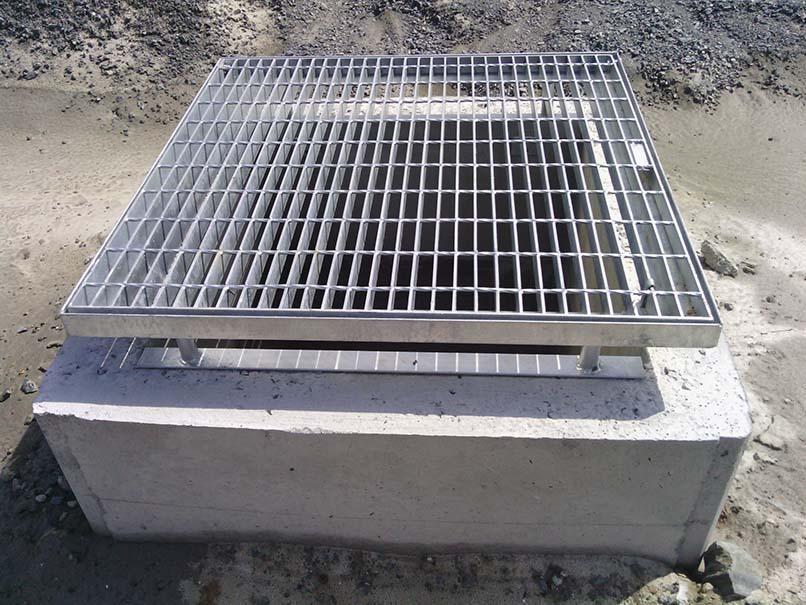 Manhole_Form_Hire_square_manhole_5