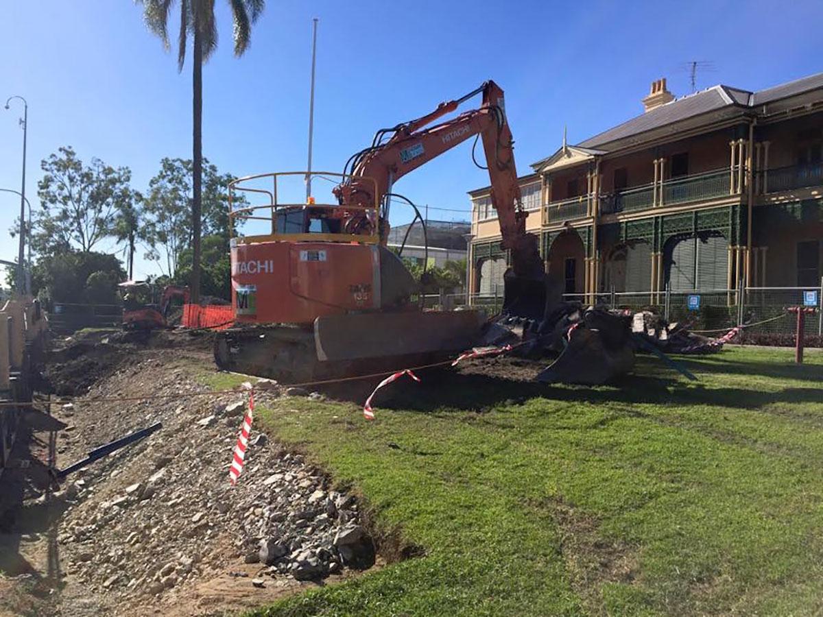 Mcmanaway_Earthmoving excavator hitachi house