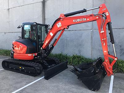 Mini-Plant-Hire-5-5ton-kubota-excavator-Melbourne