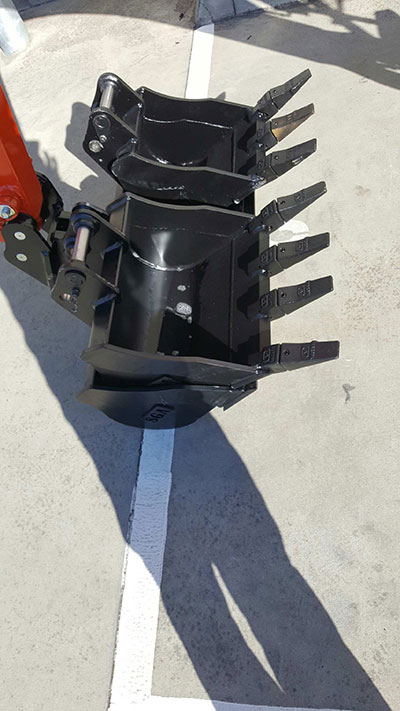 Mini-Plant-Hire-black-attachments-buckets-hire-Melbourne