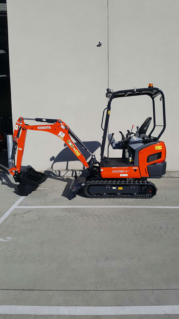Mini-Plant-Hire-mini-excavator-bucket-down-hire-Melbourne