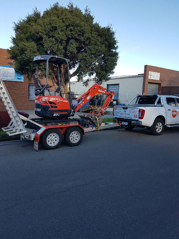Mini-Plant-Hire-trailer-transport-mini-excavator-hire-Melbourne