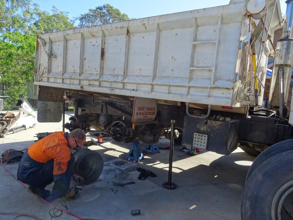 Mobile-Diesel-Services-Brisbane-truck-service