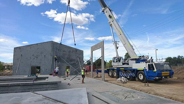 National-Cranes-and-Engineering-crane-truck-civil-works-shed-crane-skid steer-loader-hire