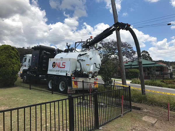 Newcastle-Locating-Services-domestic-vacuum-excavation-truck