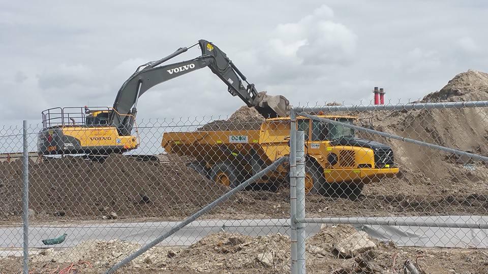 OCON Services Volve excavtor dump truck