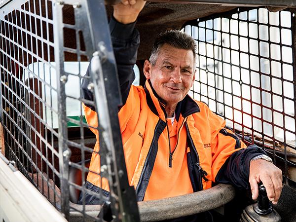 A-P-Delaney-Fleet-On-Site-Dozer-Water-Truck-dozer-hire-albury