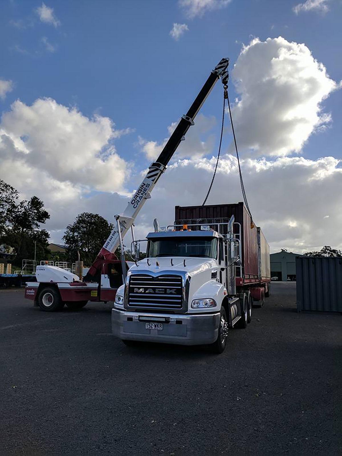 Origin-Cranes-Container-unload-Sunshine-Coast