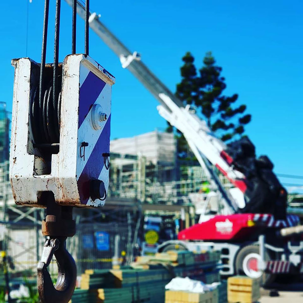 Origin-Cranes-close-up-crane-hook-Sunshine-Coast