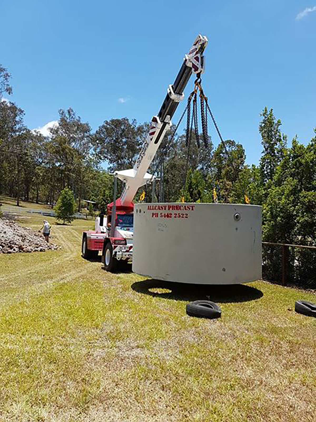 Origin-Cranes-tank-install-Yandina