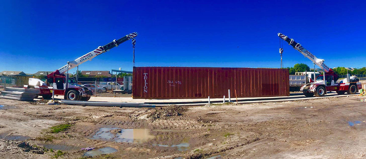 Origin-Cranes-two-franna-shipping-container-move-Gympie