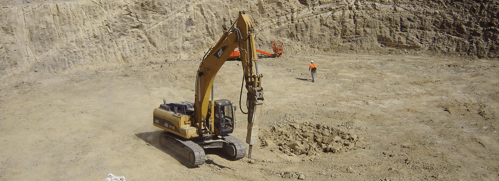 Paulls Construction Equipment Excavator rock breaker