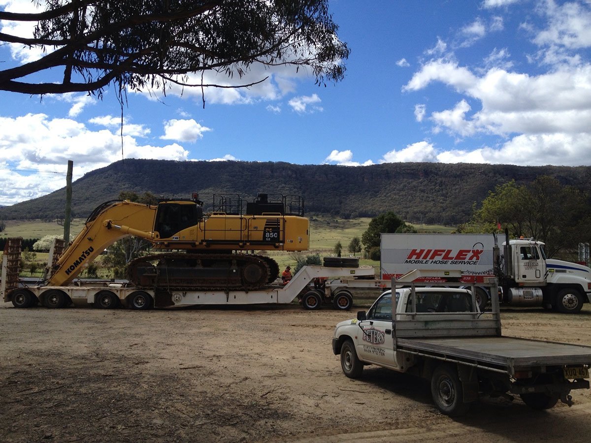 Peters Earthmoving Fleet on site