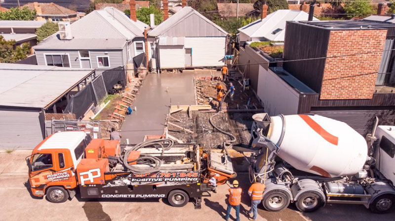 House foundations with line pump and mobile concrete plant
