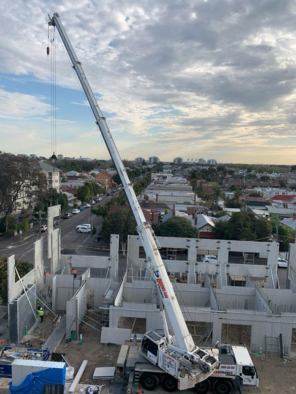 Quinlan-Cranes-banco-photo-mobile-crane-truck-hire-Melbourne