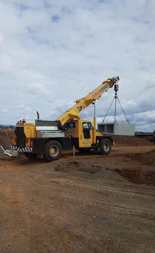 Quinlan-Cranes-concrete-culvert-franna-hire-Melbourne