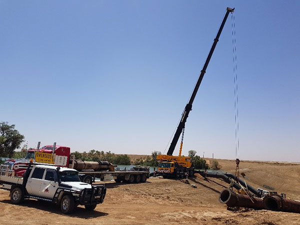 Radeski-Earthmoving-fleet-on-site-Hay