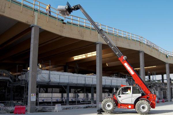 Revolution-Forklifts-Forklift-Hire-Forklift-Servicing-vertical-forklift--(1)