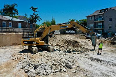 Rick Davis Contracting Compactor Hire Sydney 20 Tonne Excavator