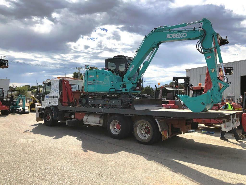 SSE-Plant-Hire-8-5-tonne-excavator-1