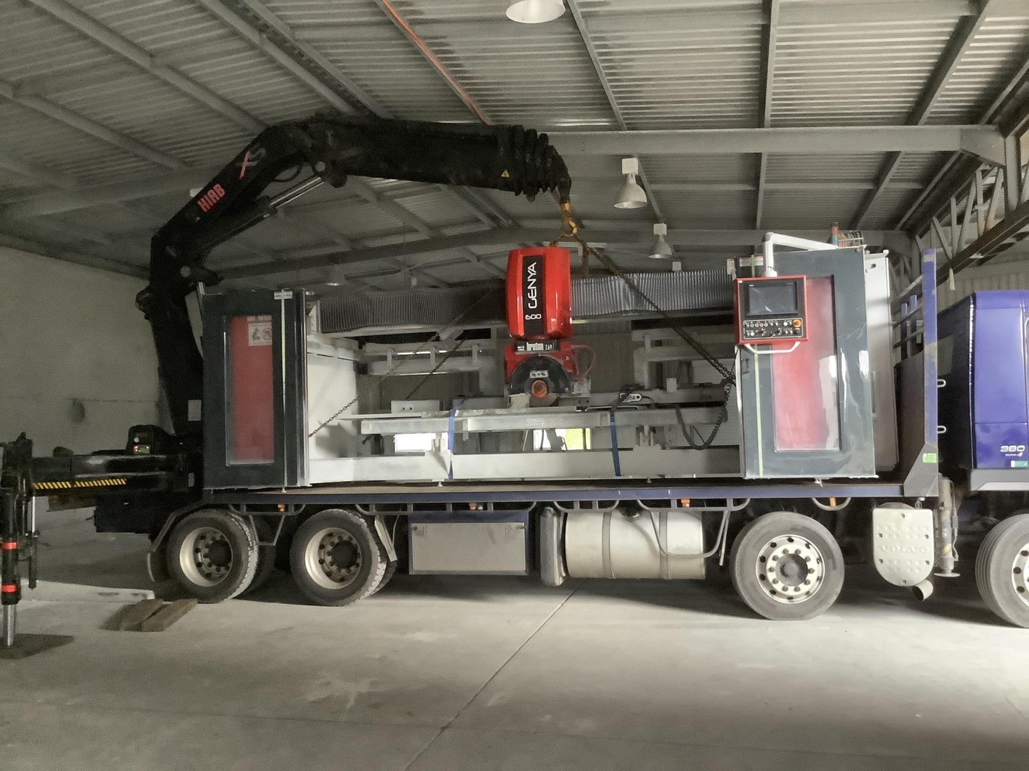 Stone saw minimal roof clearance scopecranes crane hire