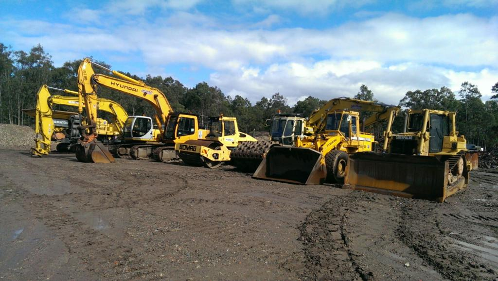 Shoalhaven Excavations fleet of machines