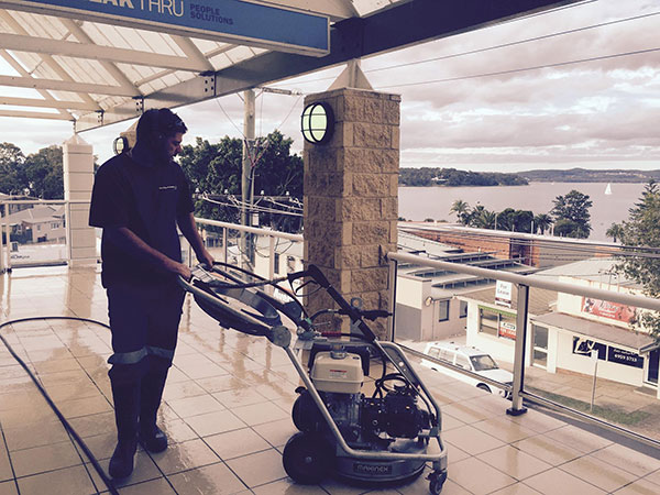 Slip-Away-Australia-domestic-clean-sweep
