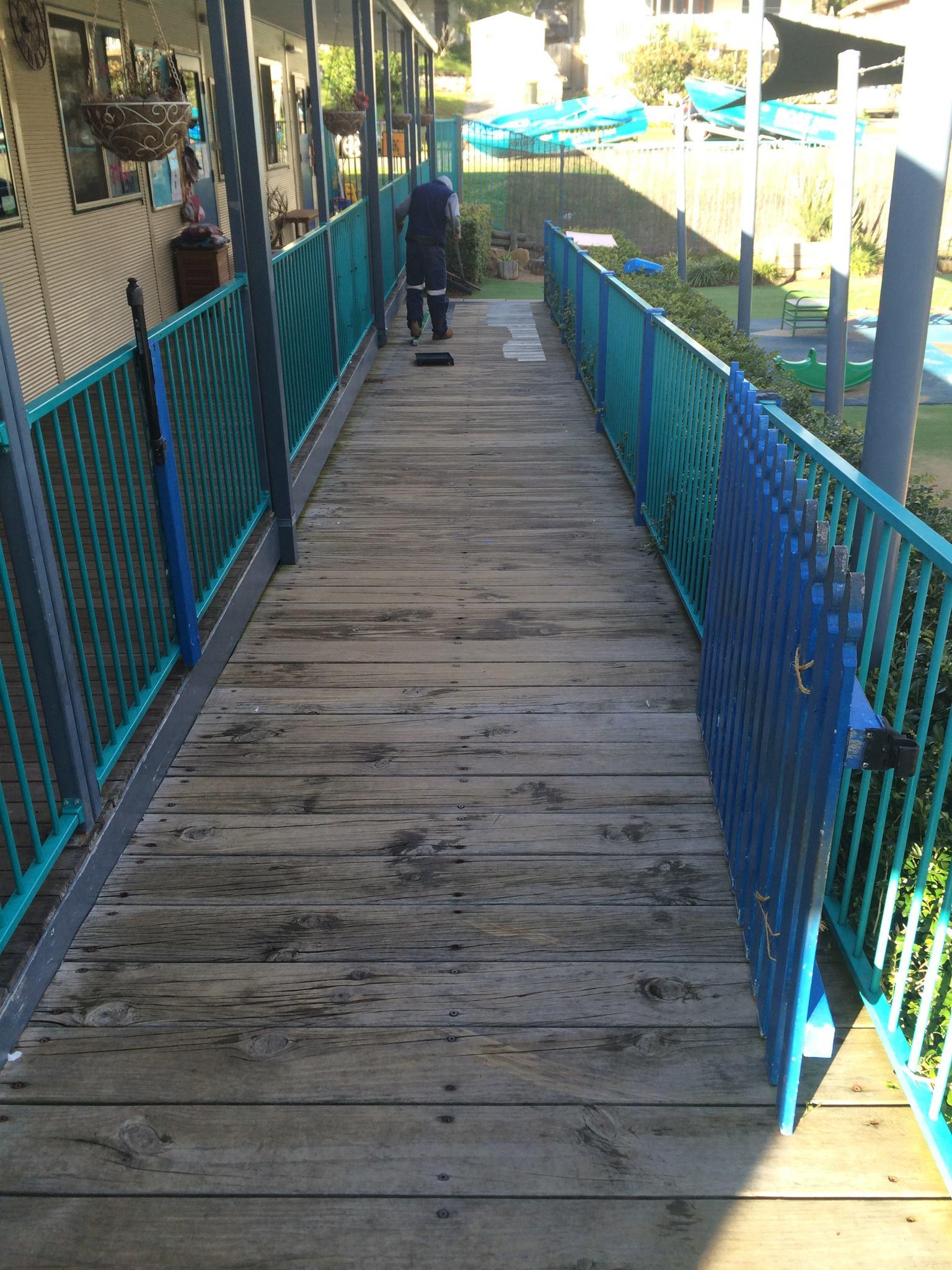 Slip-Away-Australia-wooden-deck-high-pressure-clean