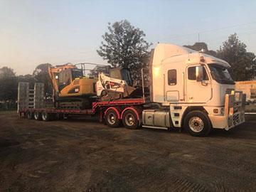 Stu_s-Excavation-and-Tipper-Hire-truck-float-excavator-skidsteer-combo