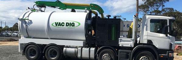 Vac Dig Vacuum tank with logo 2