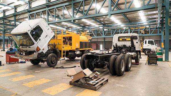 Vac-U-Digga-NZ-Vacuum-Trucks undergoing maintenance