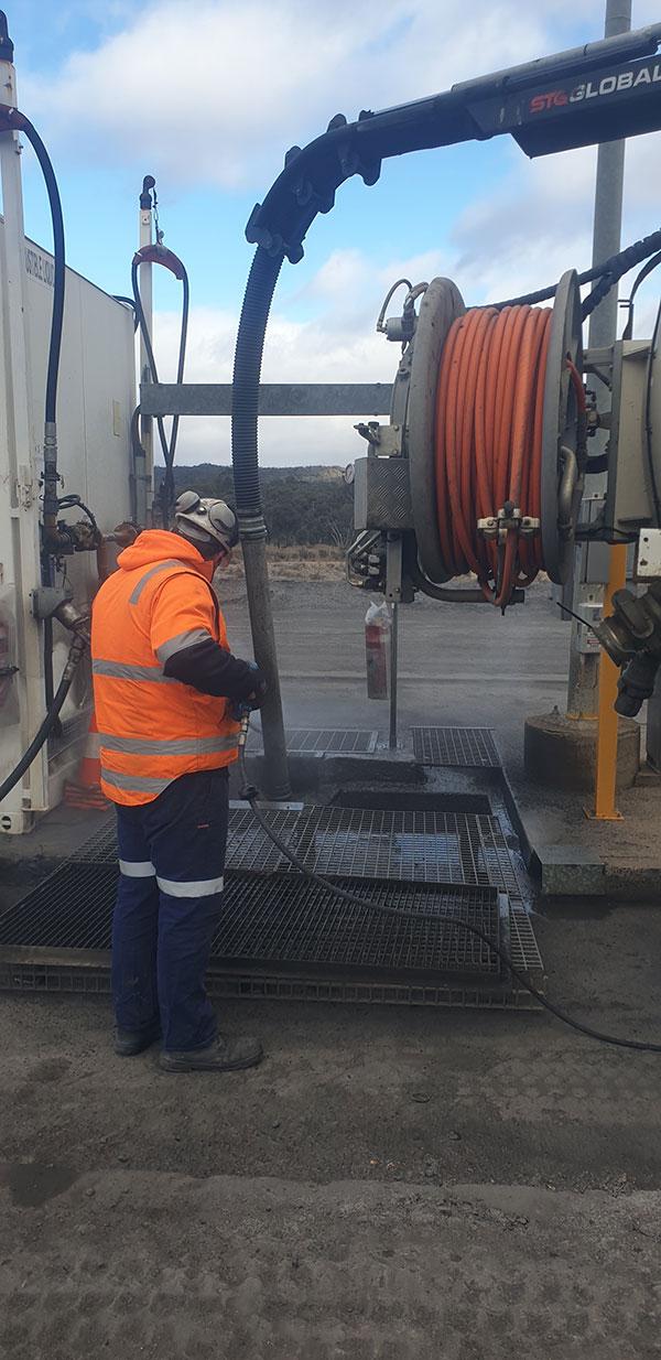 Vacsafe-Fuel-Pit-Cleaning-vacuum-excavation-services-mudgee