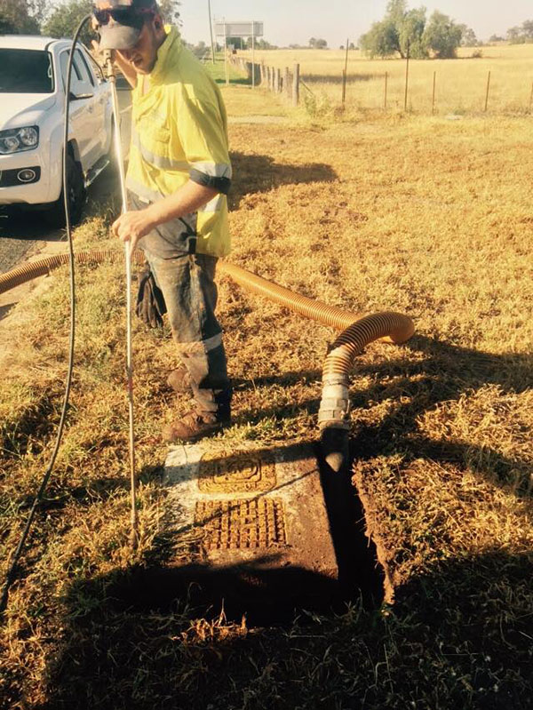Vacsafe-Jetting-hydro-excavation-non-destructive-digging-pipe-mudgee