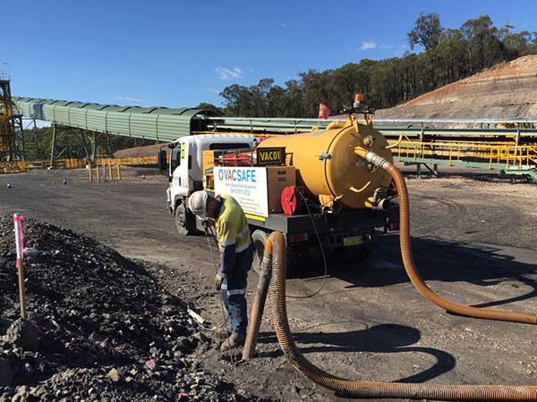 Vacsafe-water-jetting-hydro-excavation-operator-potholing-non-destructive-digging-mudgee