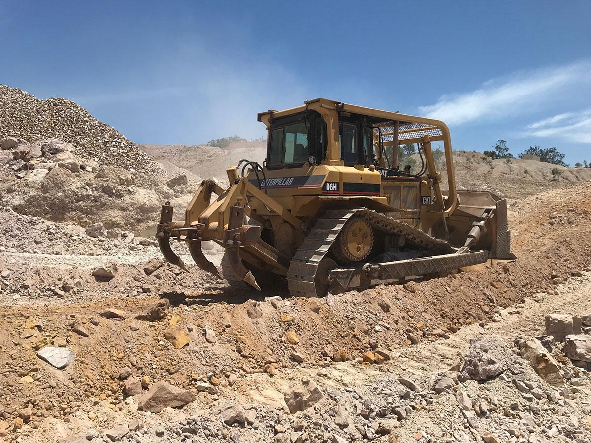 Weber-Excavations-dozer-d6h-attachment-dozer-hire-kerry