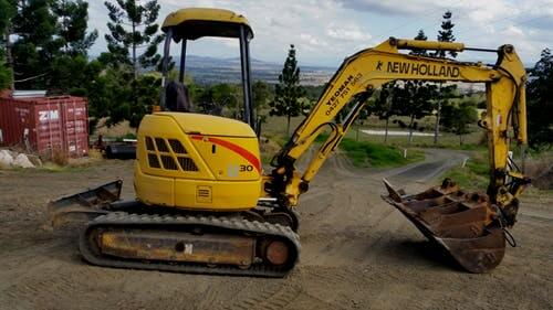 New Holland Le 30 excavator hire Rosewood