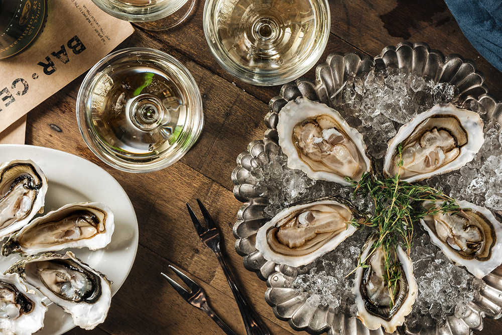 Saturday's Oyster Bar is opening every Saturday!!! French, Canadian and Singaporean oysters from 3,5$ per pc.