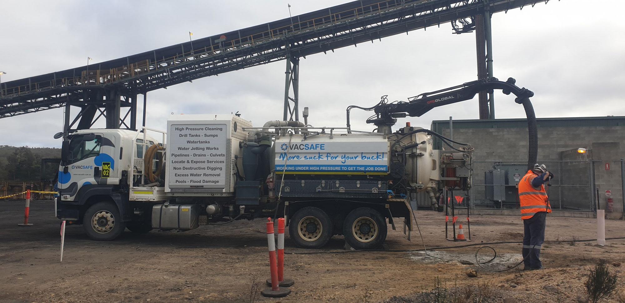 Vacsafe-Mine-Work-Trenching-hydro-hydro-excavation-6000l-sucker-truck-hire-mudgee