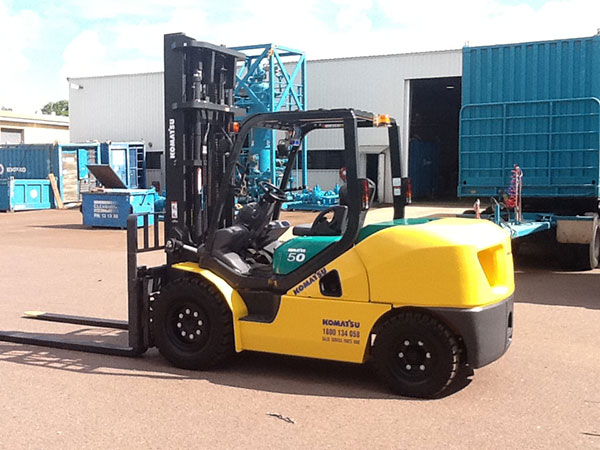 A.M. Cranes and Rigging telehandler hire construction