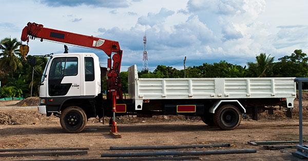 A.M. Cranes and Rigging 50 tonne truck mounted crane hire Darwin
