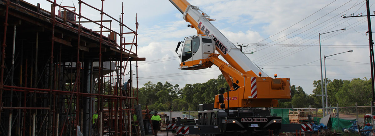 45 tonne all terrain crane hire