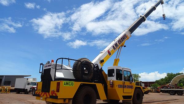 A.M. Cranes and Rigging 20 tonne franna crane hire Katherine