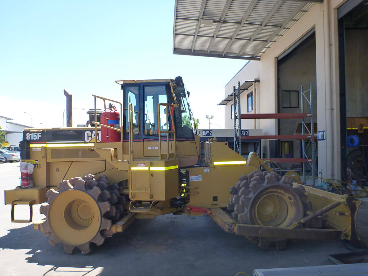 CATERPILLAR 815F COMPACTOR FOR HIRE