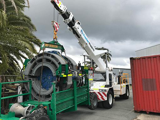 precise-rigging-truck-mounted-crane-arena