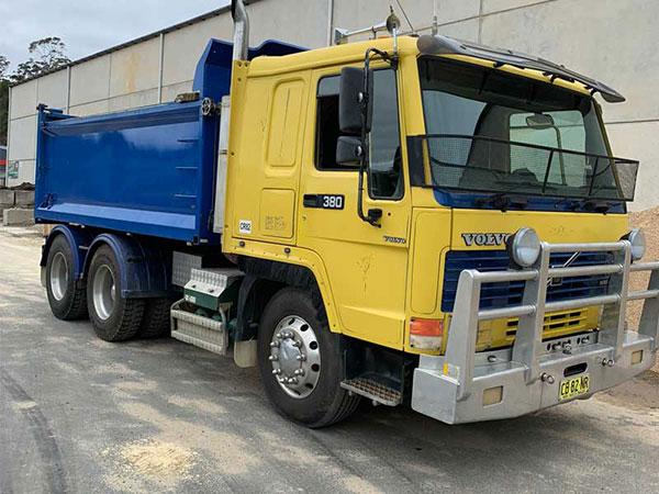 Cre8tive Landscape Supplies tipper truck hire eurobodalla shire